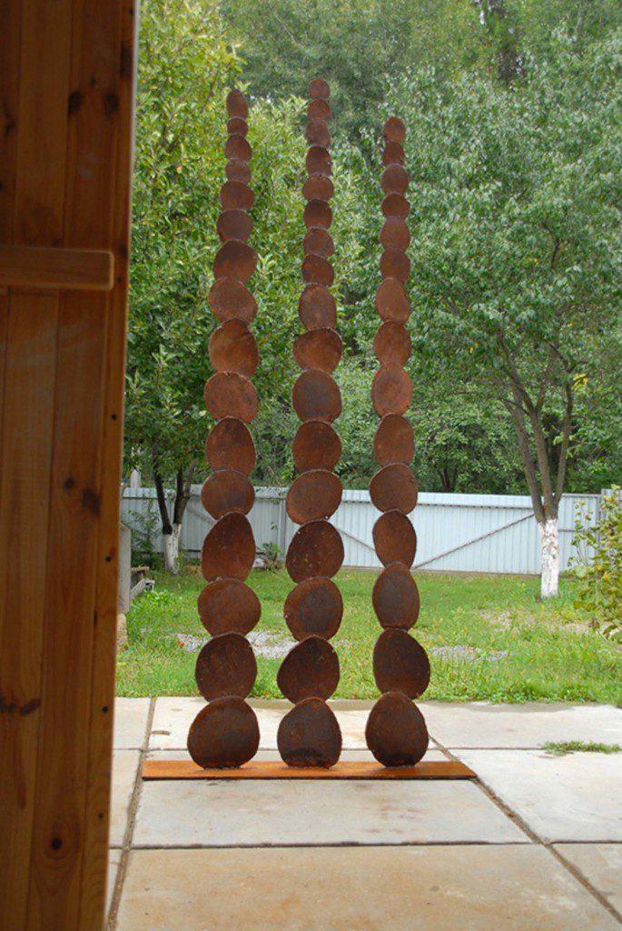 Грошове дерево. 2012 рік. Матеріал: залізо, електрозварювання h – 2,5 м