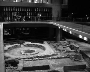 Збережені археологічні шари у новому музеї
