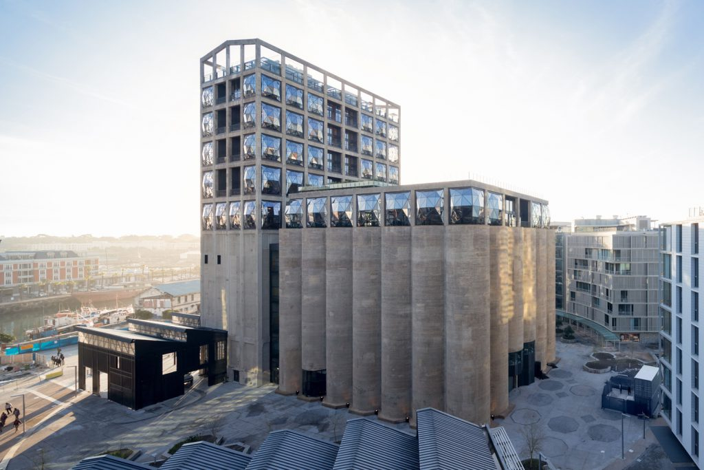 776_3_HR_ZeitzMOCAA_HeatherwickStudio_Credit_Iwan_Baan_View_of_Zeitz_MOCAA_in_Silo_Square